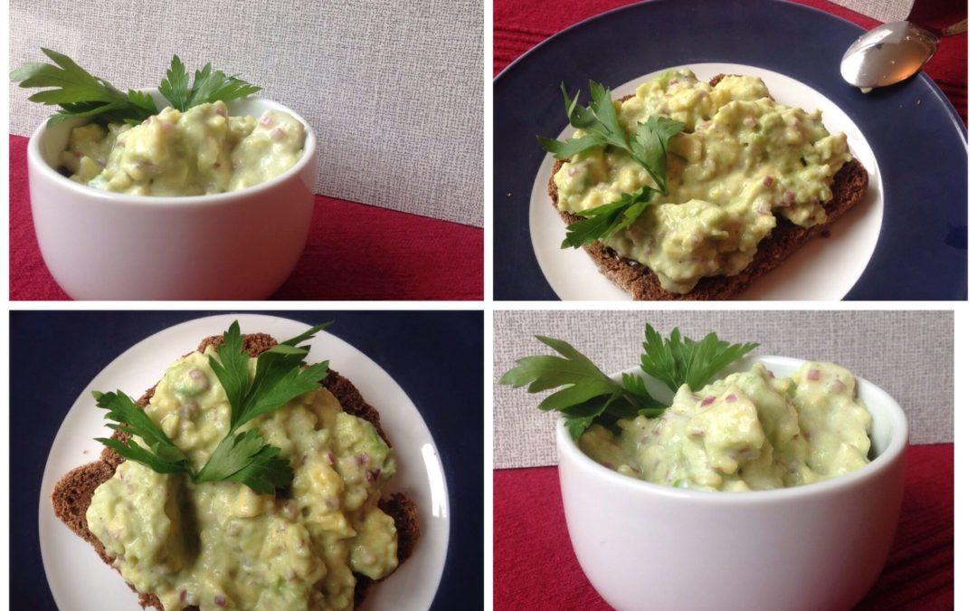 Feiner Avocado Brotaufstrich – schnell und einfach gemacht