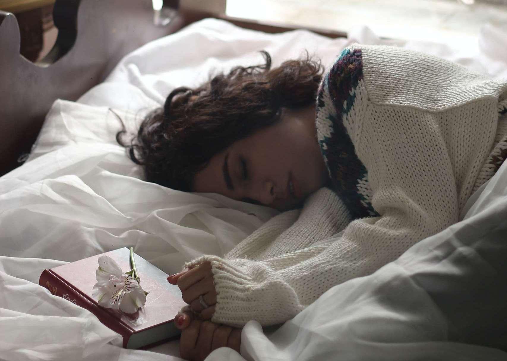 Depressionen Schlaf scaled e1615555119235